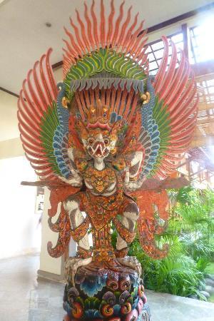 Sanur Paradise Plaza Hotel: Estatua
