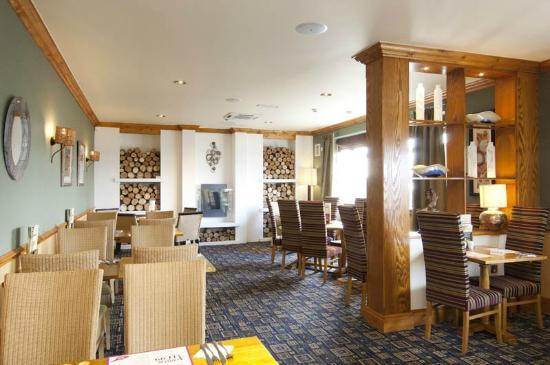 Premier Inn Poole Centre (Holes Bay) Hotel: Holes Bay Table Table Restaurant