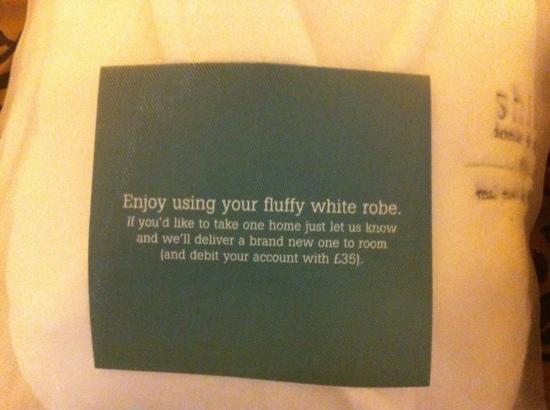 Aztec Hotel & Spa Bristol: Don't steal the bathrobes !