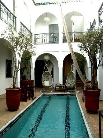 Riad Utopia Suites & Spa: Piscina