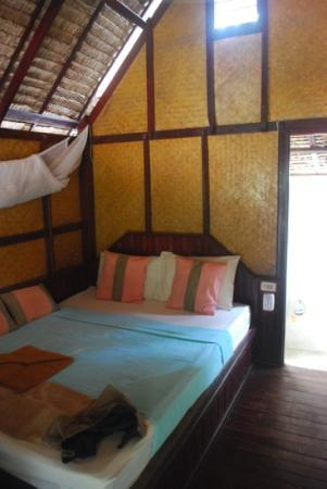 Baan Panburi Village At Yai Beach : the room