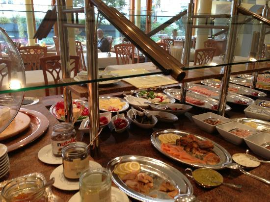 Kronen Hotel Stuttgart: Breakfast