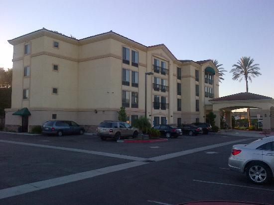 La Quinta Inn & Suites NE Long Beach/Cypress: Außenansicht