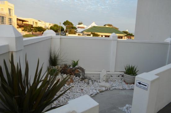 Hermanus Beach Villa: entrata della guest house
