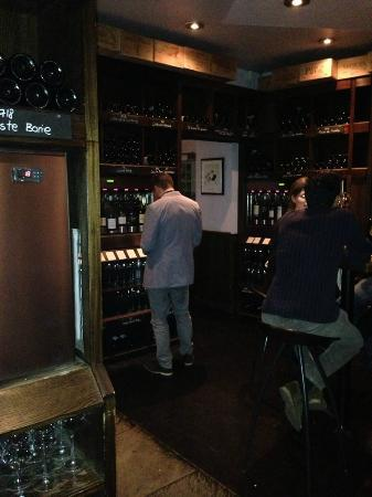 The Kensington Wine Rooms : Large selection, nice atmosphere