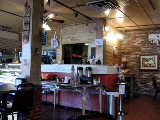 Clingans Coffee & Deli: Little nice place