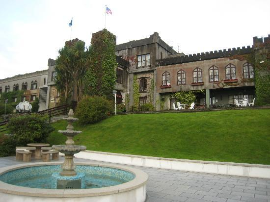‪أبيجلين كاسل هوتل: Abbeyglen Castle Hotel and grounds‬