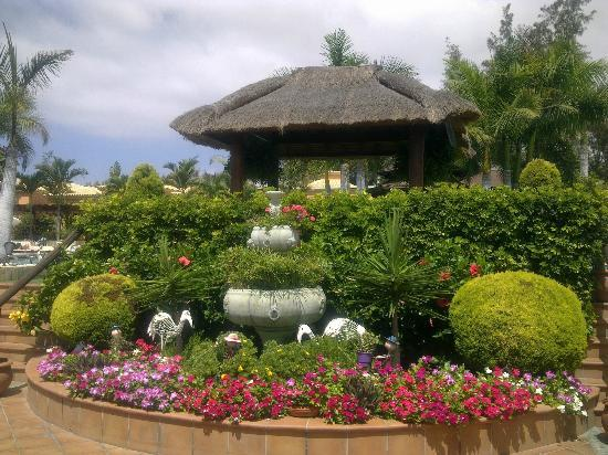 Green Garden Resort & Suites: Gardens