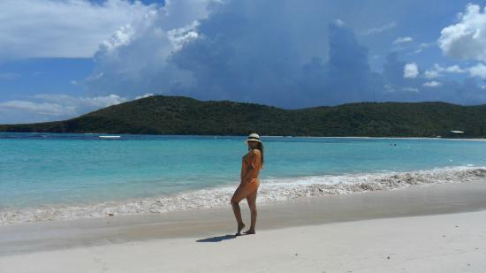 Flamenco Beach: UN POCO DE CALOR