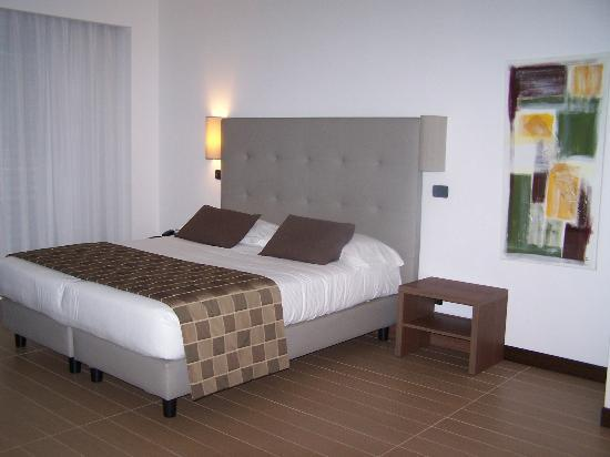 Residence Hotel Parioli: Slept like a log on clean, comfy bed.