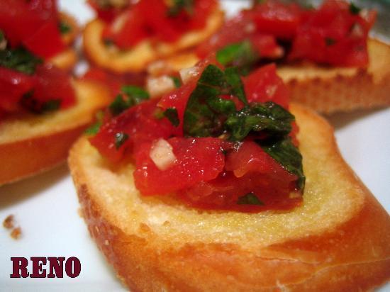 Reno's Cafe Valletta: complimentary starter