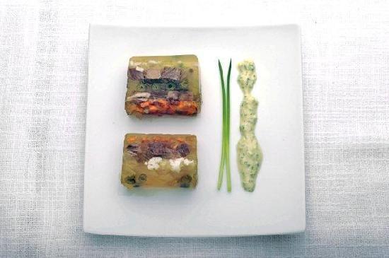 "Hotel Restaurant Kolb: Tafelspitzsülze (Rezept aus unserem Kochbuch ""EREC'S  ESSKAPADEN"")"