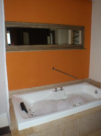 Dreams Riviera Cancun Resort & Spa: jacuzzi