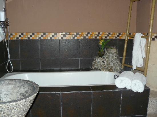 Manso Boutique Guesthouse: private bathroom