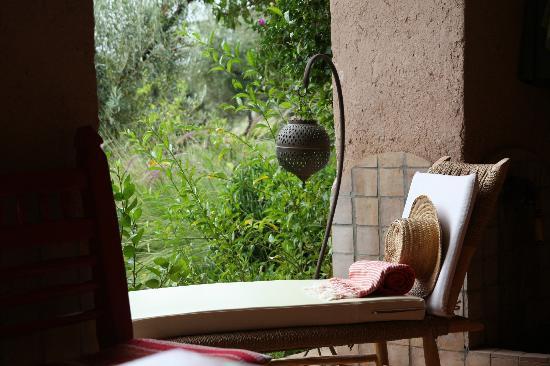 Kasbah Timdaf : von der Terrasse blickt man in den schönen Garten