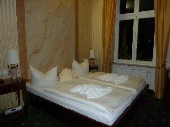 Hotel Harmonie: Zimmer