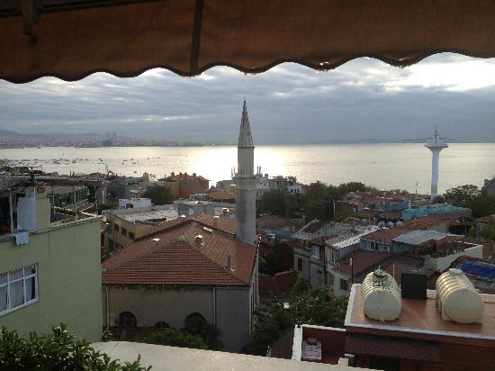 Dersaadet Hotel Istanbul: View from the roof