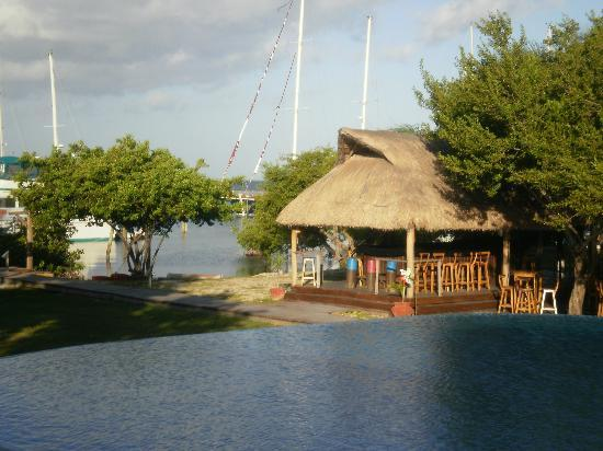Las Iguanas: Sittin by the awesome pool lookin thata way!