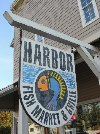 Harbor Fish Market and Grille: sign