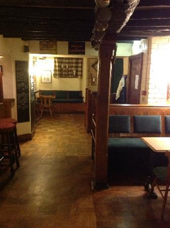 The Masons Arms: The bar