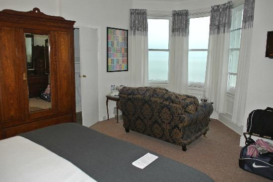 Morwendon Guest House: Room 2 - amazing view from the sofa!