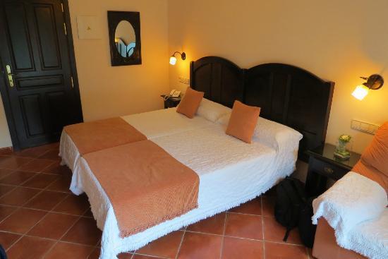 Malaga Hotel Picasso: Room