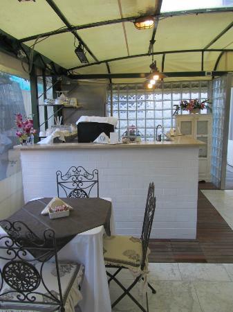 Hotel Navy: sala colazione