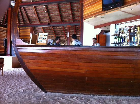 Adaaran Club Rannalhi: The Bar