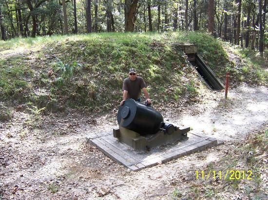 Fort McAllister State Historic Park Campground: mortar at the fort