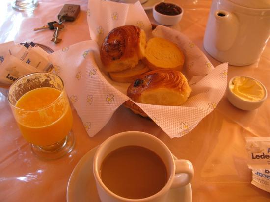 Posada Colibri: Breakfast
