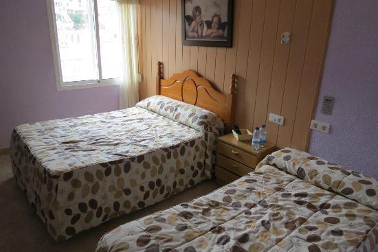 Hostal Londres: Room