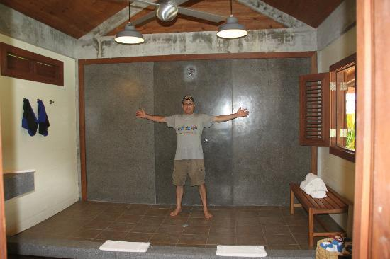 Pagua Bay House Oceanfront Cabanas: Biggest Shower ever!