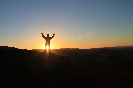 Stanage Edge: sun rise