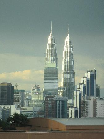 Furama Bukit Bintang: Petronas Towers Viewed from Room