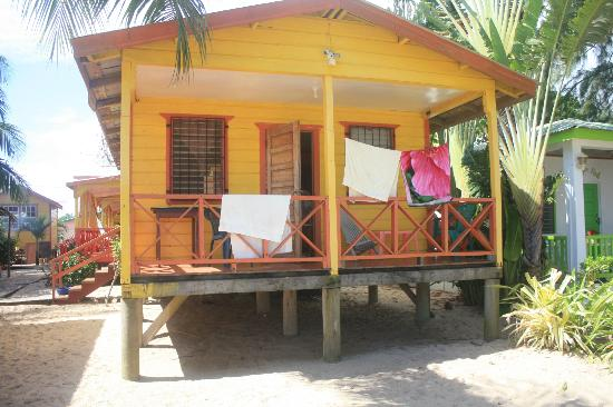 Julia's Rooms and Guesthouse: my cabana- lots of fresh cool air. no AC needed