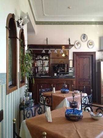 Pinto-Storey: Breakfast Room at the Hotel-Pinto Storey