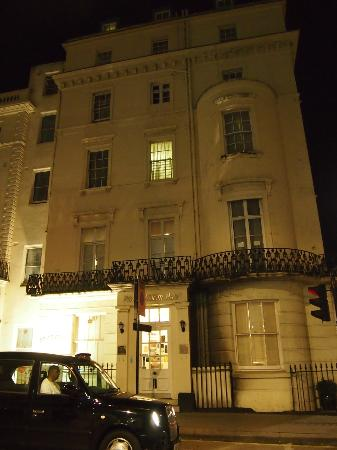 The Prince William Hotel front facade.