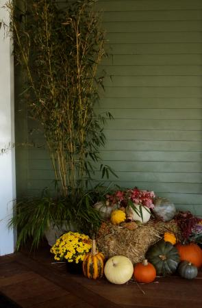 The Nantucket Hotel & Resort: Autumn Décor at entry