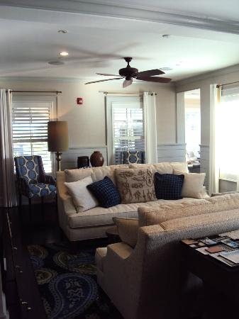 The Nantucket Hotel & Resort: Sitting are near concierge