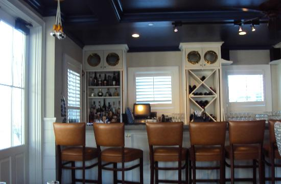 The Nantucket Hotel & Resort: Breeze Cafe & Bar