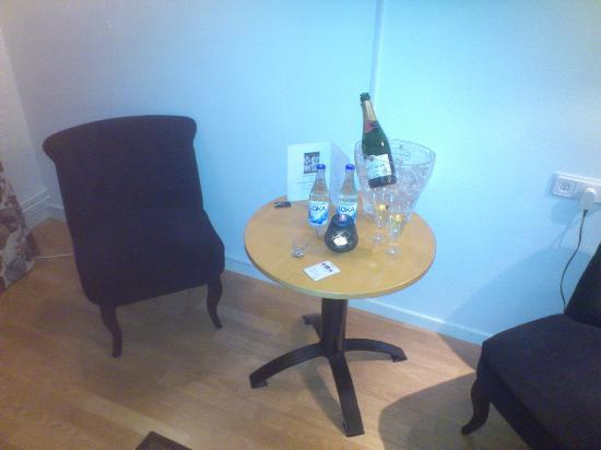 Best Western Hotel Botnia: Champagne på rumsbordet
