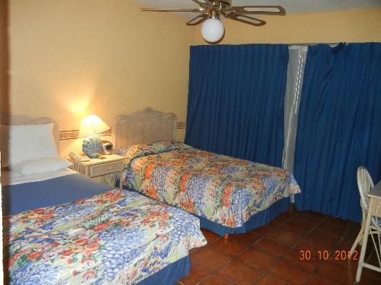 Grand Plaza La Paz : Vista del dormitorio