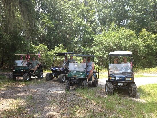 Yogi Bear's Jellystone Park: golf cart gang