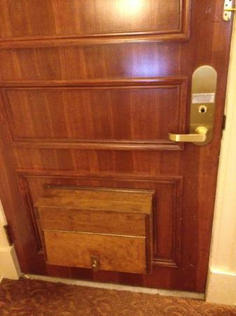 Seelbach Hilton: Room 624 Jr. King Suite - Door with Box for Shoes