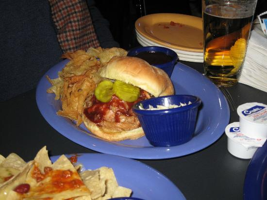 The Birchmere : pulled pork sandwich - good