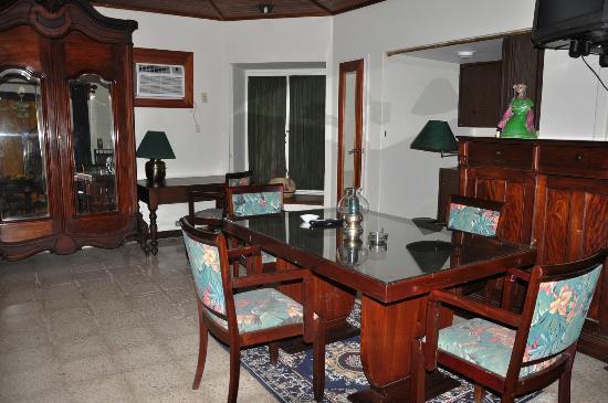 Hostal Real Bolonia : Detalle habitacion suite