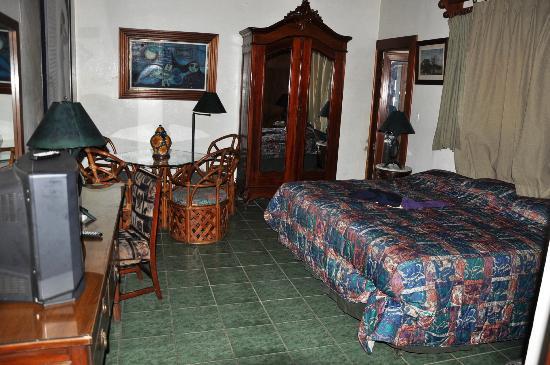 Hostal Real Bolonia : Habitacion suite