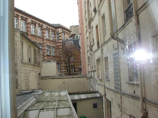 Libertel Montmartre Opera: backyard