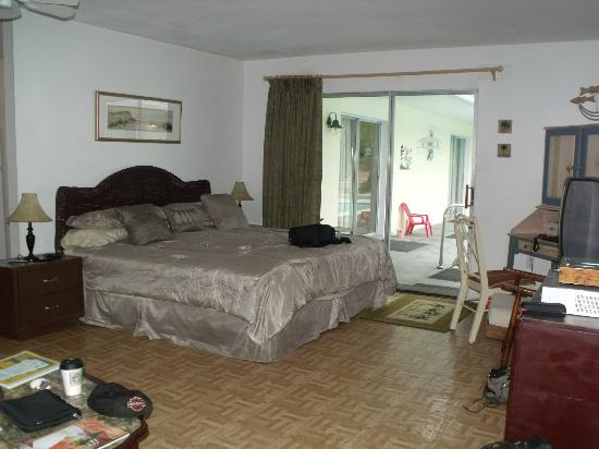 Sunshine Island Inn: bedroom area