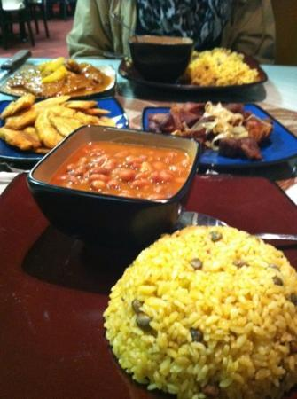 Humacao Restaurant: dinner for 2 but fed 3